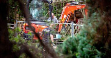 Madeleine McCann police resume search of Hanover allotment | UK News