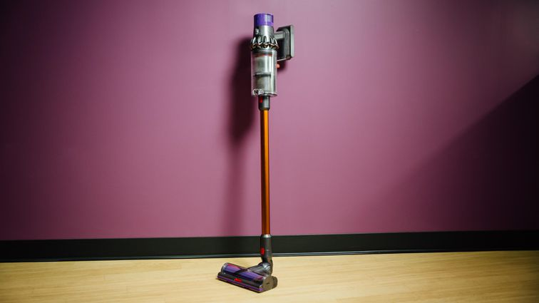 Dyson Cyclone V10 Absolute Product Photos 2.jpg