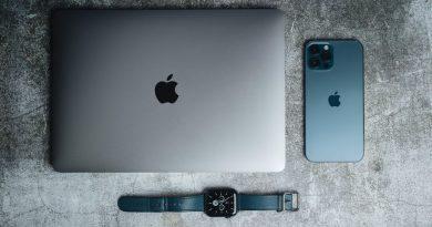 Iphone 12 Pro Max Product Promo Hoyle 2021 4.jpg