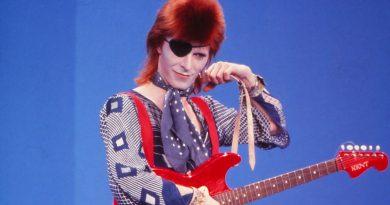 Skynews David Bowie Aladdin Sane 5228197.jpg