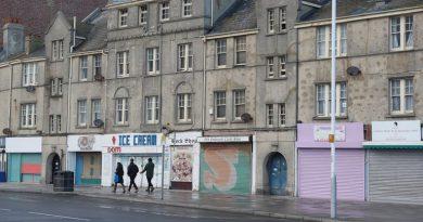 Skynews Shops Closed Hastings 5217510.jpg