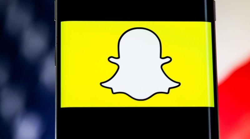 Snapchat Logo Phone United States Flag 4527.jpg