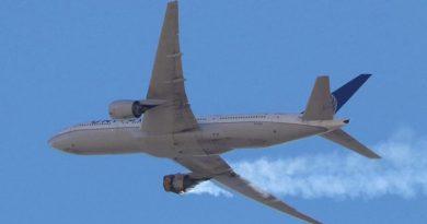 skynews plane colorado united airline 5280837.jpg