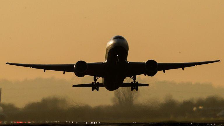 skynews heathrow airport plane 5239503.jpg