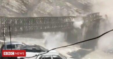 Rockslide destroys bridge in northern India