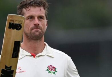 County Championship: Lancashire victory ends Hampshire title hopes