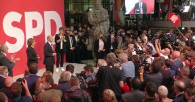 German elections: Social democrats beat Angela Merkel's party – preliminary results | World News