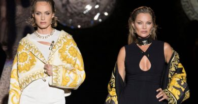 Kate Moss: Peta urges model to ditch animal fur after luxury goods firm Kering ends use | World News
