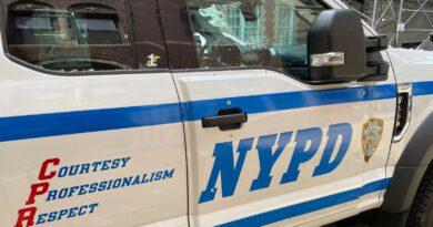 New York: Man shot after gunman 'targets diners' outside restaurant | US News