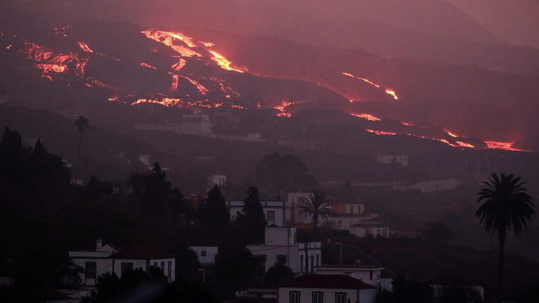La Palma volcano: Eruption on Canary Island shows no sign of slowing, officials say   World News